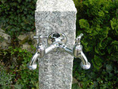 Wasserzapfsäule Granit, grau, doppelter Kran