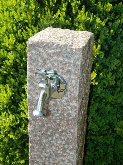 Wasserzapfsäule Granit, rot
