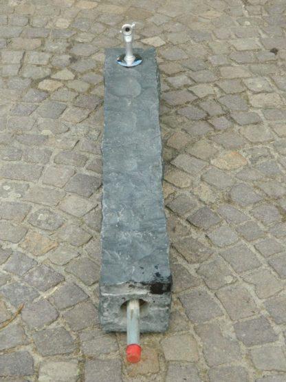 Wasserzapfsäule Basalt